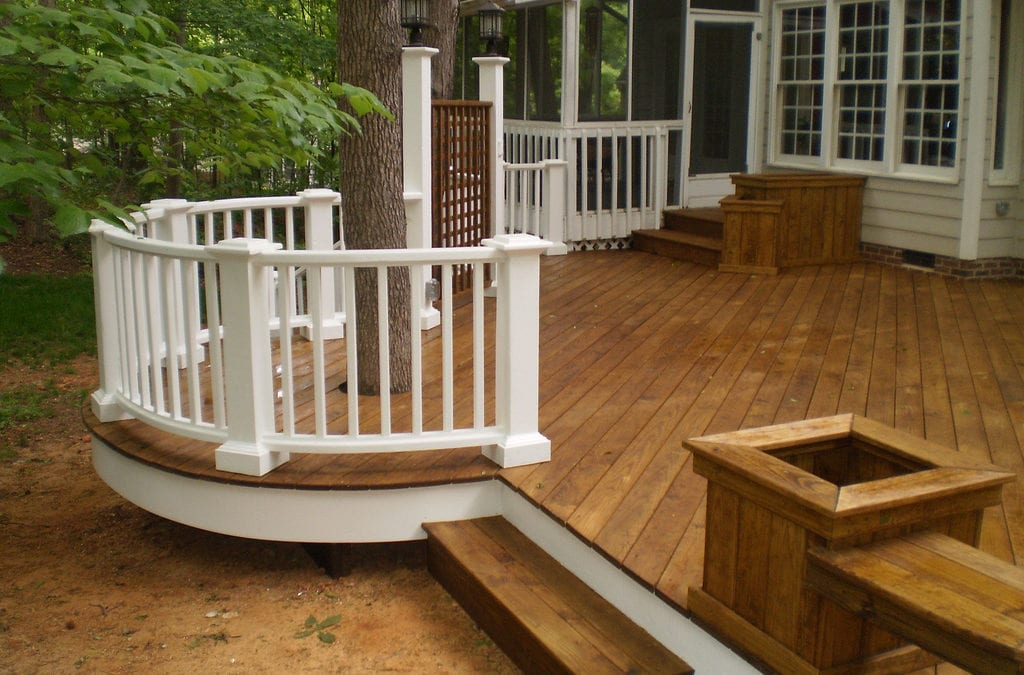 How to Correctly Mix Composite and Pressure Treated Wood During a Deck Remodel