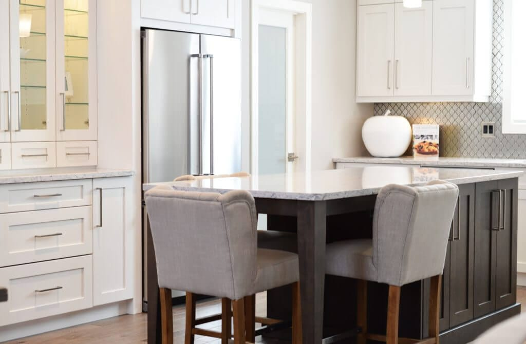 Why Contrasting Kitchen Islands Add A Pop Of Color To Your Design Scheme Nebs