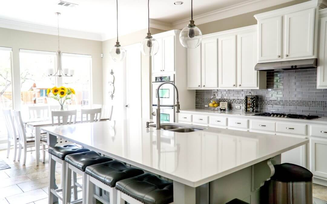 The Pros and Cons of Inset Cabinets vs. Full Overlay Cabinets